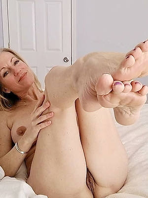 women with balls in their vaginas
